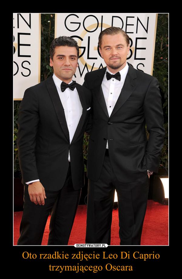 Oto rzadkie zdjęcie Leo Di Caprio trzymającego Oscara –