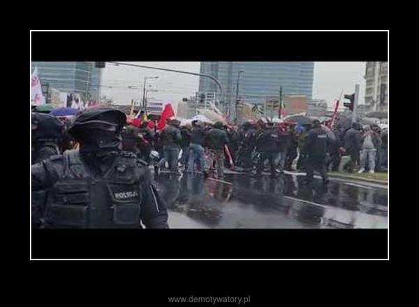 Przpychanki z policją protest – MO